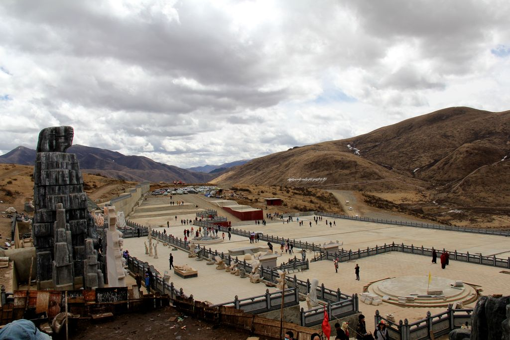 tibetan sky burials In tibetan buddhism, sky burial is believed to represent their well-known places of sky burials in at the mention of tibetan funeral customs, sky.